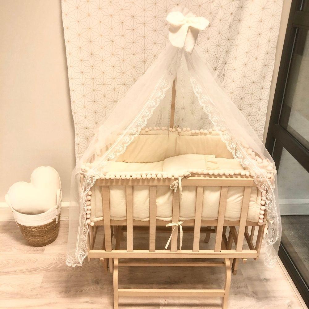 wieg baby met pompom bumper - BabyRace